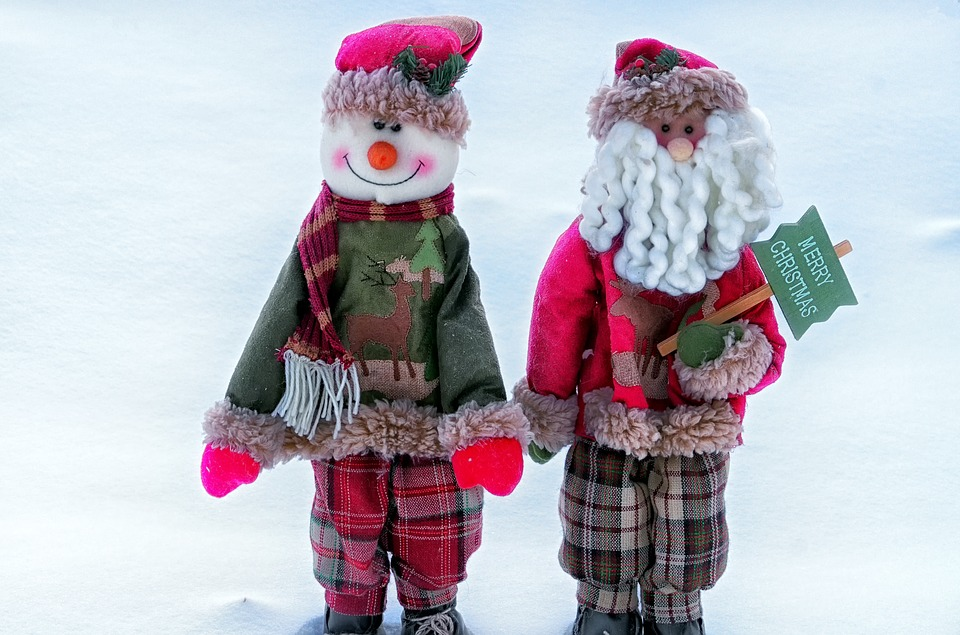 Come stimolare gesti e parole giocando con Babbo Natale